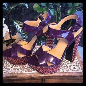 Bandolino purple platform heels - Size 6